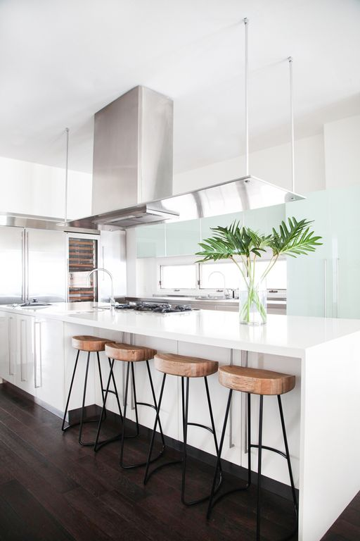 Kitchen With Apron Leg Countertop By Orlando Soria Zillow Digs