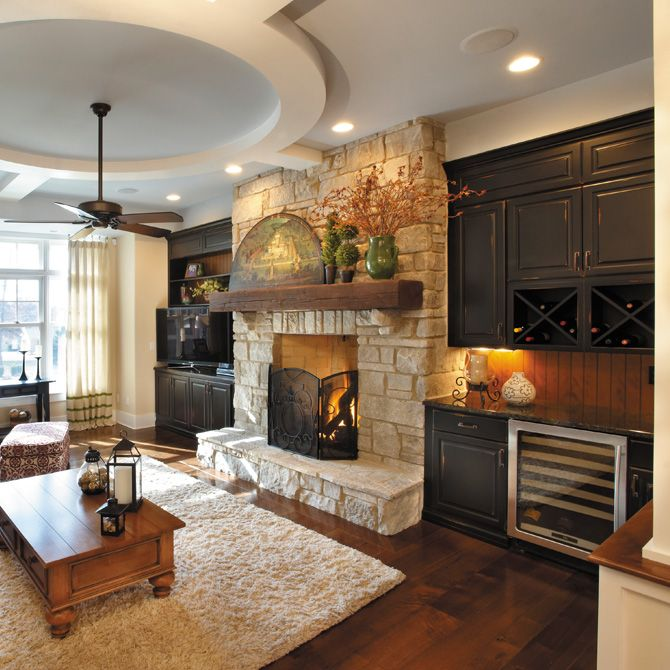 Built-in bookshelves/cabinets, Ceiling fan, Country, Hardwood, Normal (2.7m), Stone