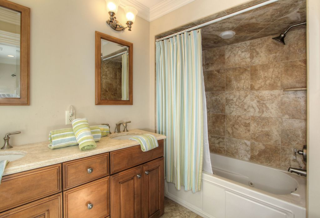 Craftsman Full Bathroom with can lights, Crown molding, tiled wall showerbath, Raised panel, Undermount sink, Shower, Bathtub