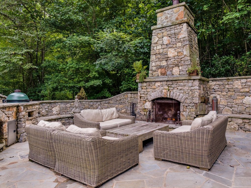 Traditional Patio with Fence, Pathway, exterior stone floors, Outdoor kitchen