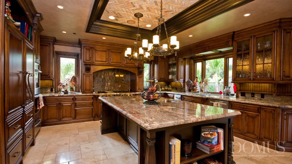 Great traditional kitchen zillow digs for Pics of traditional kitchens