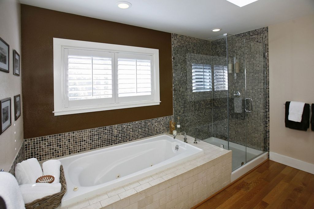 Contemporary Master Bathroom with drop in bathtub, Shower, Standard height, can lights, Master bathroom, Wall Tiles, Casement