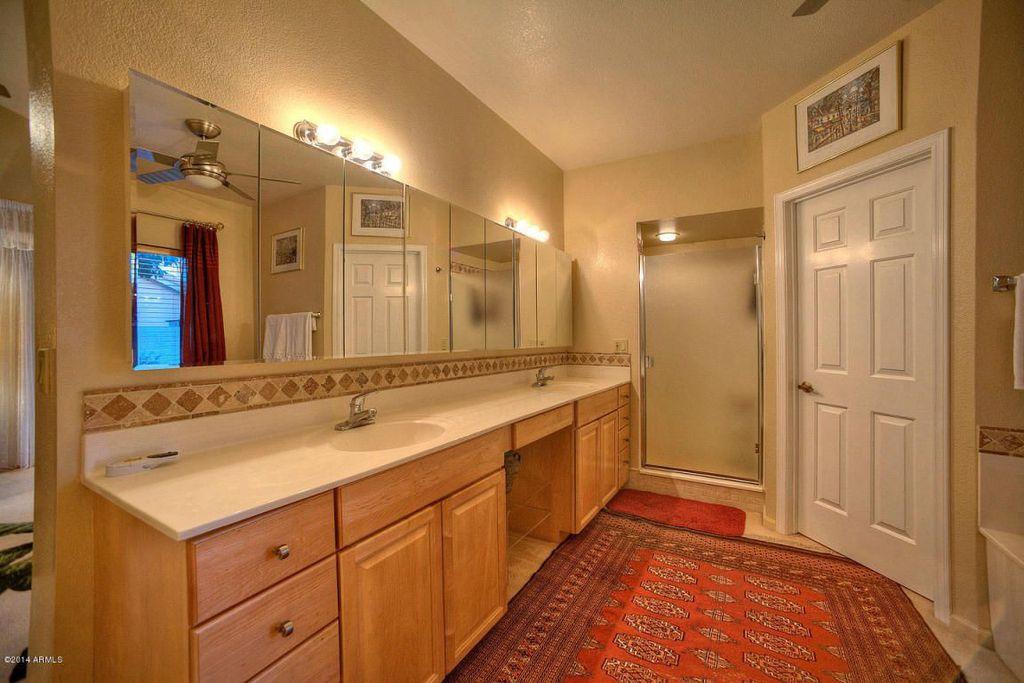 Traditional Master Bathroom with Home decorators hampton area rug, Paint