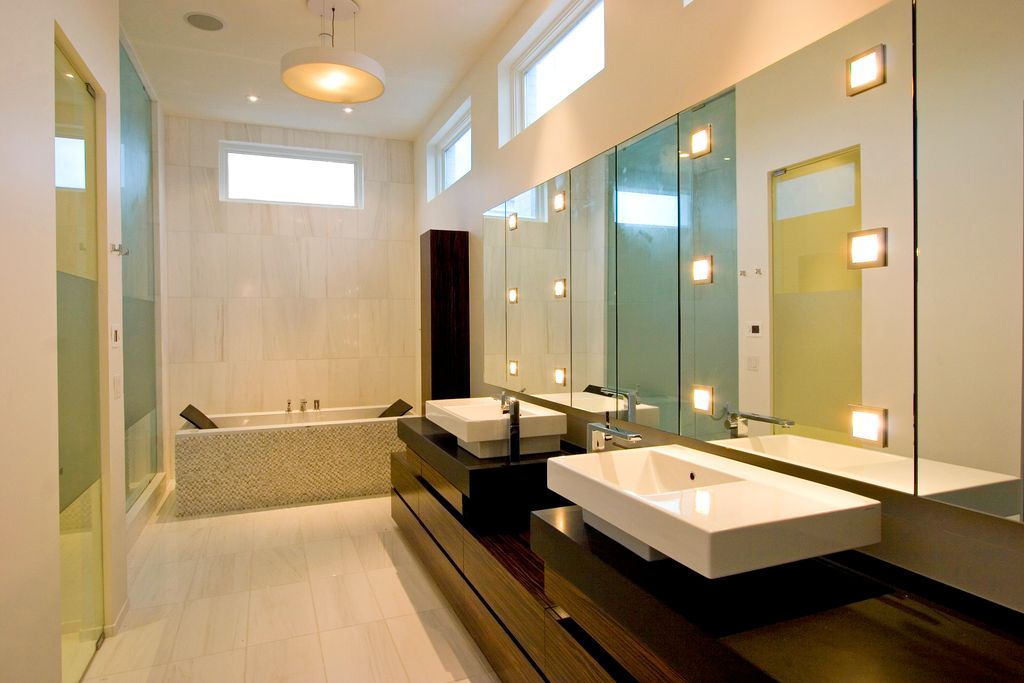 Contemporary Master Bathroom with wall-mounted above mirror bathroom light, Bathtub, Shower, Master bathroom, can lights