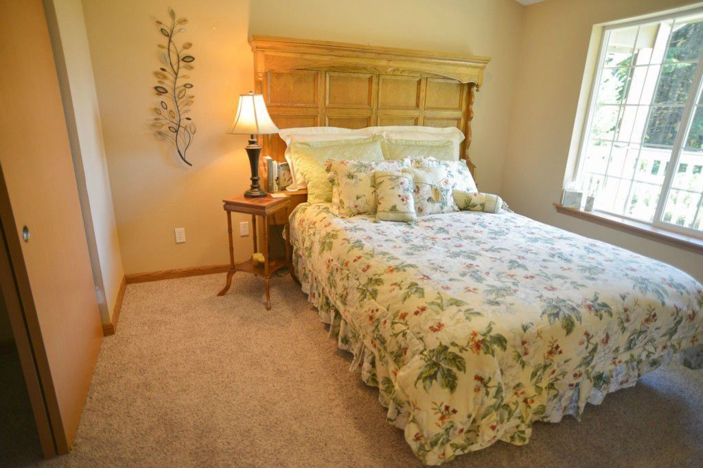 Traditional Guest Bedroom with Standard height, Carpet, Casement