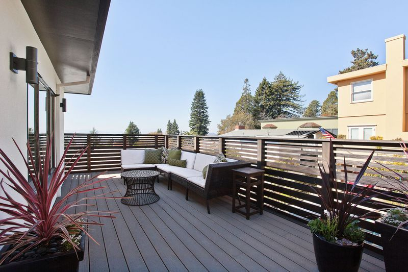 Contemporary Deck