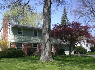 38 Old Post Rd , Fairport NY