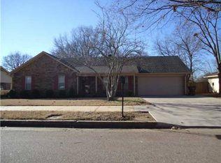3987 Oak Rd , Memphis TN