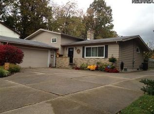 447 Abbyshire Rd , Akron OH