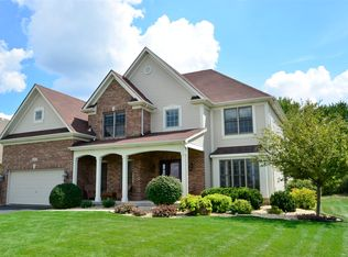 445 Pheasant Hill Dr , North Aurora IL