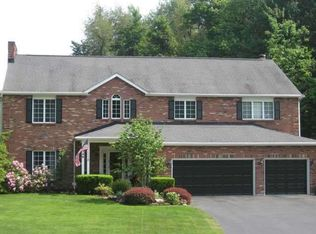 8346 Black Walnut Dr , East Amherst NY