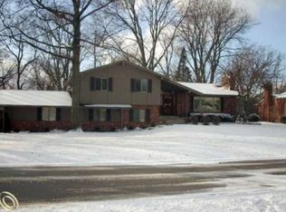 2758 Hunters Way , Bloomfield Hills MI