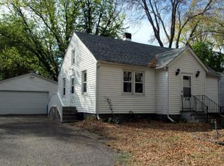 2518 3rd Ave E , Maplewood MN