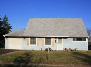 34 Cleft Rock Rd , Levittown PA