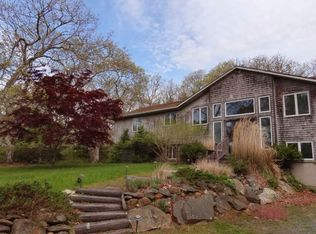 211 Middle Rd , Chilmark MA
