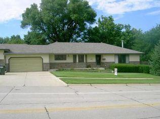 4801 Sunnybrook Dr , Sioux City IA