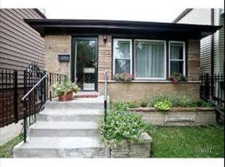 2730 W Melrose St , Chicago IL