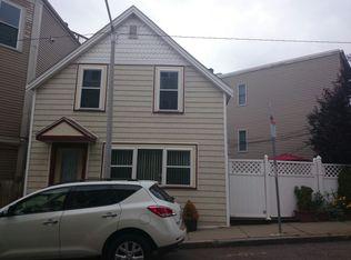 17 Knowlton St , Boston MA