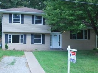 128 Fairlane Dr , Industry PA