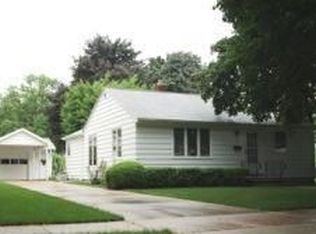 1152 Colonial Ave , Green Bay WI