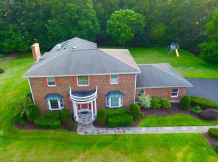 1022 Country Brook Ct , Schenectady NY