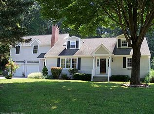 8 Buttercup Ln , Gales Ferry CT