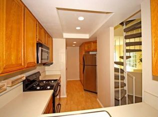 6618 Clybourn Ave Unit 110, North Hollywood CA