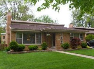 10512 S Tripp Ave , Oak Lawn IL