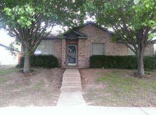 924 Crestwood Dr , Cedar Hill TX