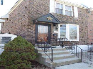322 Pine St , Glenolden PA