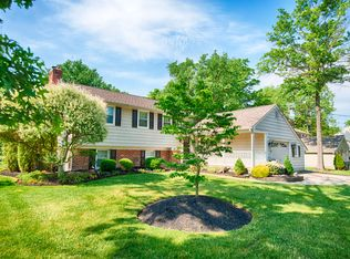 137 Old Carriage Rd , Cherry Hill NJ