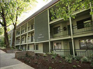 4926 SW Corbett Ave Apt 207, Portland OR