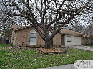 708 S Hunters Glen Cir , Arlington TX