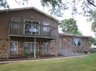 38 Hillcrest Dr , Geneseo IL