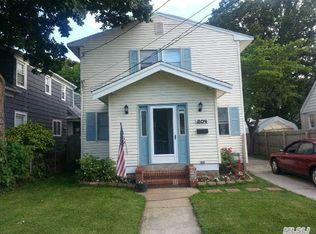 204 Allen Ave , Oceanside NY