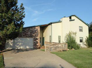 2403 N Walden Dr Apt 302, Wichita KS
