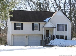 26 Carriage Ln , North Windham CT