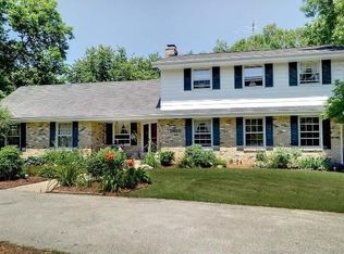 8610 W Holly Rd , Mequon WI