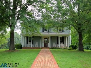 383 Fawn Lake Ln, Fork Union, VA 23055