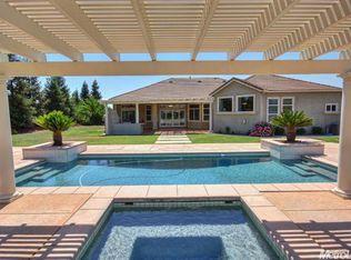 10157 Clover Ranch Dr, Sacramento, CA 95829