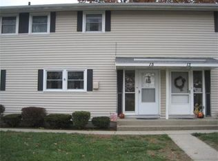 15 Applewood Dr Unit 15, Chicopee MA