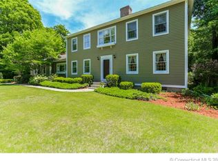 4 Village Ct , East Lyme CT