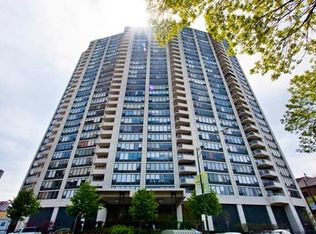 3930 N Pine Grove Ave Apt 1409, Chicago IL