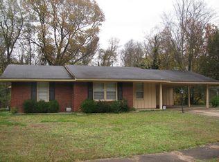 2824 Spring Hill Dr , Memphis TN