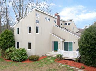 393 Massapoag Ave , Sharon MA