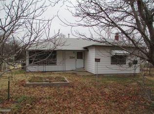224 N Holmes St , Potwin KS
