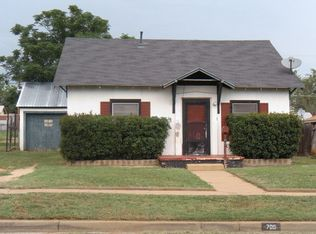 705 E 12th St , Sweetwater TX