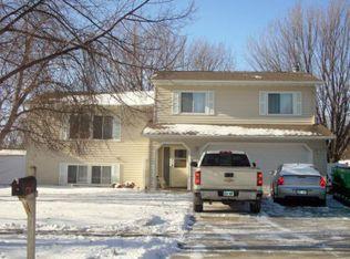 3302 Maple St N , Fargo ND