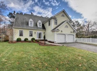 10 Lawrence Rd , Fairfield CT