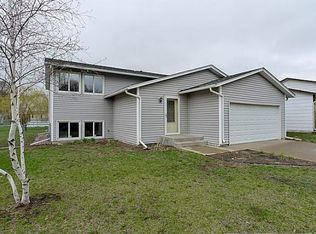 9022 81st St S , Cottage Grove MN